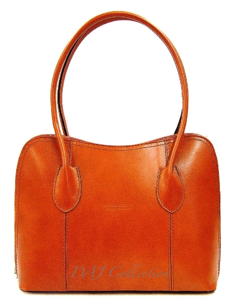 italian-leather-classic-oval-shoulder-bag-light-tan